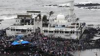 Trupti Desai to lead peaceful rally at Haji Ali