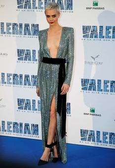 StyleDiaries: Cara's sparkly gown is too hot to handle