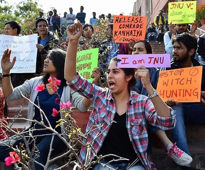 JNU students served showcause notice for staging gherao on Feb 27