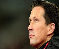 Bayer Leverkusen sack head coach Roger Schmidt