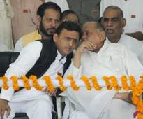 Ahead of conclave, Mulayam sends sharp message to his son