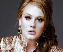 Adele bonds with Victoria Beckham