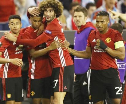 Europa: Rashford rocket gives United away win in semi