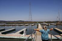 Redwood City boaters, developer in standoff