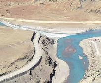 Pakistan gives Chinese firm contracts for dam construction on Indus
