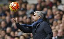 PREVIEW-Soccer-Ferguson backs Mourinho ahead of crunch Porto tie