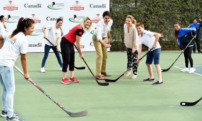 PHOTOS: Hockey time for Canadian PM Trudeau