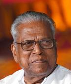 Kerala assembly adjourned over Achuthanandan's remarks on Chandy's family