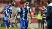 Hector Herrera helps Porto rally back to stun rival Benfica