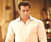 Salman unapologetic over rape analogy, summon issued