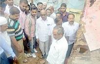 Aziz Pasha blames Electricity Dept. for loss of 3 lives in Bholakpur