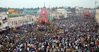 Three chariots arrived at Simhadwara; lakhs of devotees throng Puri for Sunabesha darshan