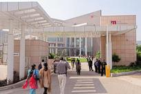 Tech Mahindra Q4 revenue up 0.8% in dollar terms