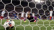 Steve McClaren puts commentator's curse on hapless England