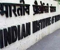 IIT-B bans 9 startups for revoking, delaying placement offers