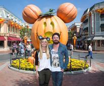 'Tangled' Star Zachary Levi Claims Disneyland's Turkey Legs Are Really Emu Legs