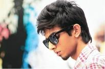 Muni 3 goes to Anirudh