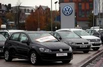 UK government needs stronger response to VW emissions scandal-committee