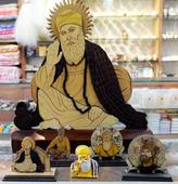 Idols Of Sikh Gurus Being Sold In Markets In Holy City