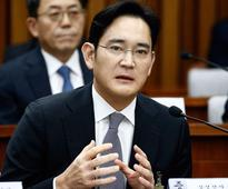 South Korea wants to arrest Samsung's vice chairman on bribery and embezzlement charges