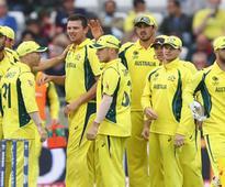 Aus players urge emergency mediation as deadline looms