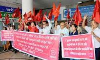On-strike SBI assoc banks warn of more stirs