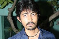 Karthik Kumar reveals all you want to know about Suchi's tweets