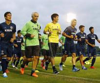 Japan replaces injured Nagatomo, Makino for qualifiers