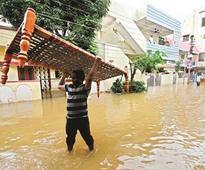 Rain kills 9 in Andhra; Hyd on edge, Mumbai reels too