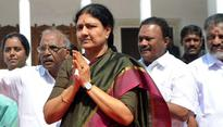 Drama over Sasikala's swearing-in: is Governor wary of next week's SC verdict?
