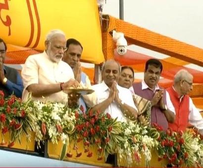 PM inaugurates Sardar Sarovar Dam