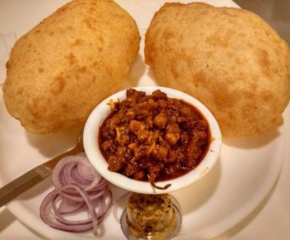 Paratha, Golgappa or Chole Bhature: Vote for Delhi's favourite street food!