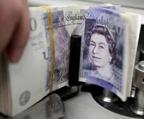 UPDATE 1-Sterling heads for first week of falls in four