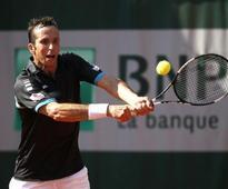Murray and Wawrinka face Czech threats