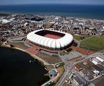 Five bids to run stadium