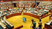 Info minister apologises in parliament