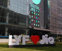 Gadgets: Reliance Communications to Offer 4G at Rs. 93 for 10GB Data Using Jio's Network