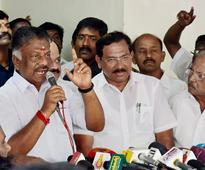 Advantage Panneerselvam as five more MPs join his camp