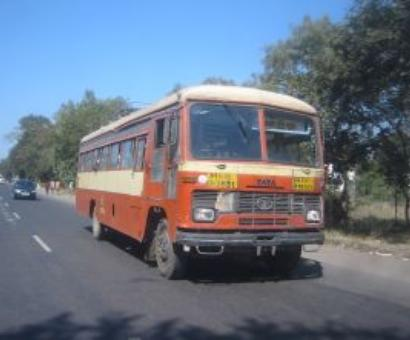 Explosion on bus in Latur, over 10 injured