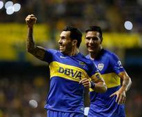 Copa Libertadores: Boca Juniors top group coutesy of Carlos Tevez double