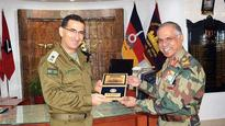 Top Israeli commander visits Northern Command HQ in J&K