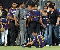 Wankhede stadium brawl: Police closes inquiry against Shah Rukh Khan