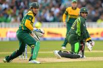 Pakistan fans downcast after second defeat