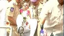 Watch | Hyderabad: Congress leader V Hanumantha Rao carried away by cops for protesting FIR against him