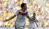 Hummels completes Bayern switch, inks five-year deal