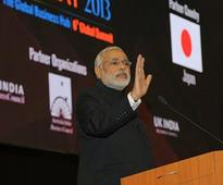Narendra Modi against forward trading in commodities, retail FDI