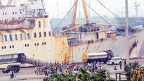 Stranded vessel reaches Vizag Port