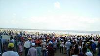 Mumbaikars join the walk to promote cleaner Juhu beach