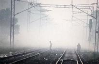 Fog extends passengers' waiting hours