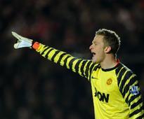 Premier League: Burnley sign former Manchester United goalkeeper Anders Lindegaard until end of season